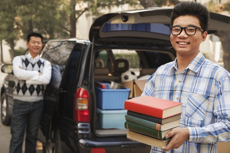 Student College MovingIn Parent