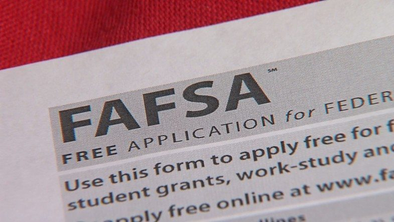 46% Of IL Families Didn't Fill Out The FAFSA!