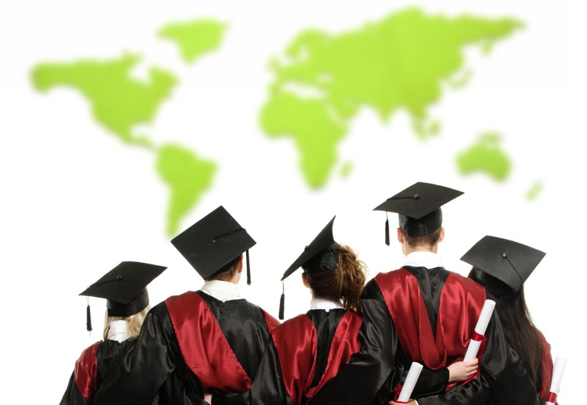 7 Ways Studying Abroad Will Prepare You For An Internship